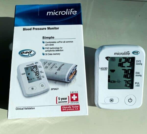 Baumanometro Microlife Caja y aparato para medir la presión