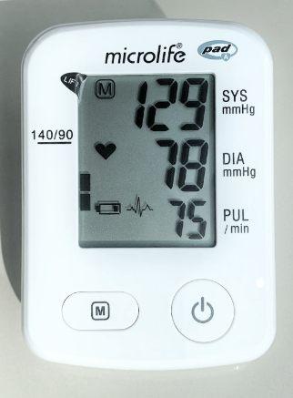 Equipo de Presion Arterial de frente marca microlife con sensor de arritmias